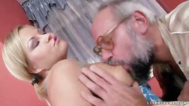 Boss reccomend grandpa girl
