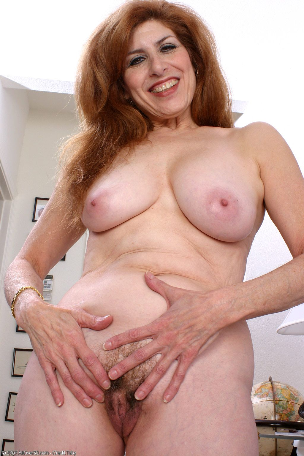 Nude beautiful mature women hd pics