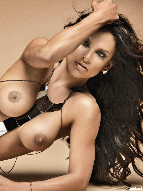 Fabiola Campomanes  nackt